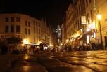 Les rues pavés la nuit