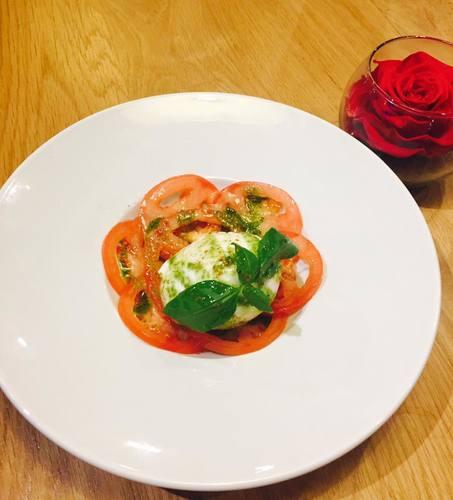 Tomate Mozzarella Di Buffala, pistou de basilic
